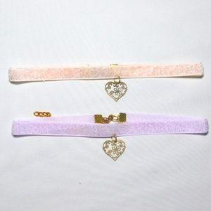 Jewelry - Shiny velvet chocker with heart charm